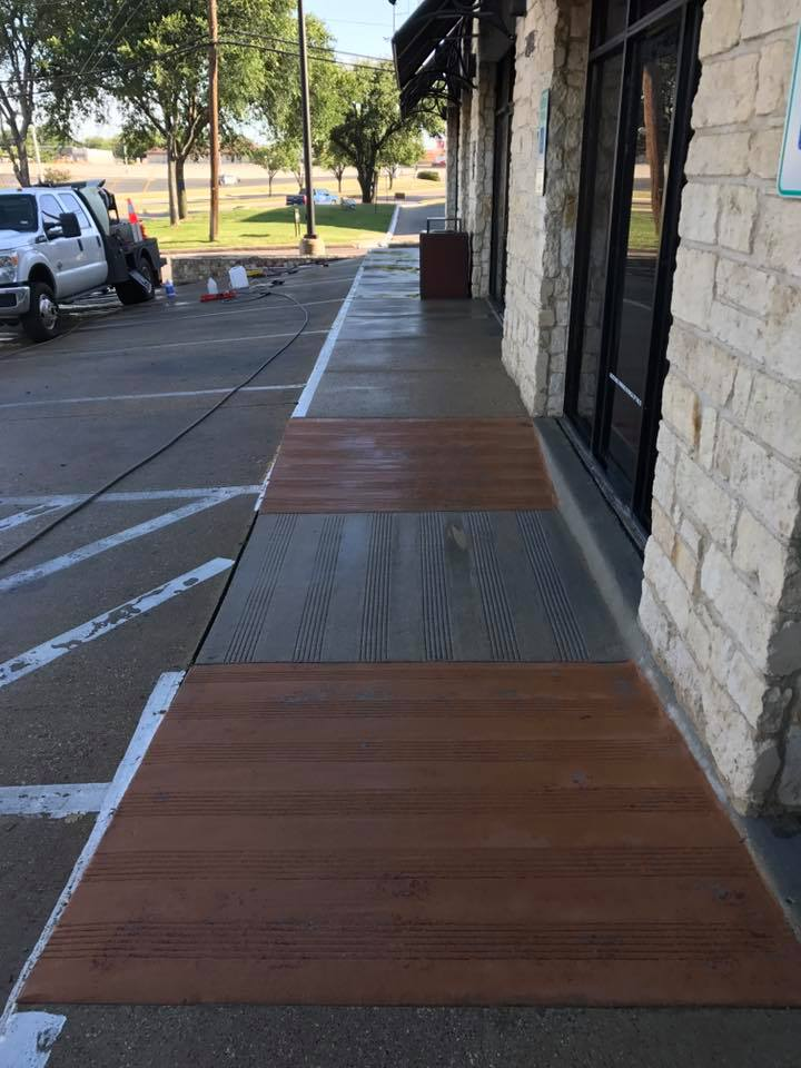 Keep Your Commercial Sidewalks in Pristine Condition
